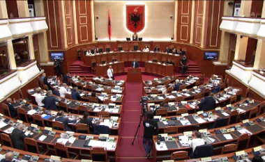 """77 vota pro dhe 53 kundër, votohet qeveria """"Rama 3"""" dhe programi"""