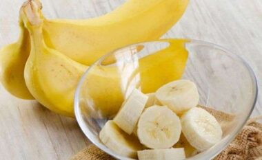 A duhet të hamë banane në mëngjes?! Përgjigja nuk është ajo që ju prisni