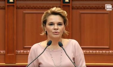 Kryemadhi mesazh ministreve të reja: Mos u bëni kukulla, Shqipëria ka nevojë për njerëz të vërtetë