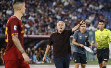 """Mourinho i """"çakorduar"""" nga humbja në derbi, debaton me gazetarët dhe largohet nga konferenca"""