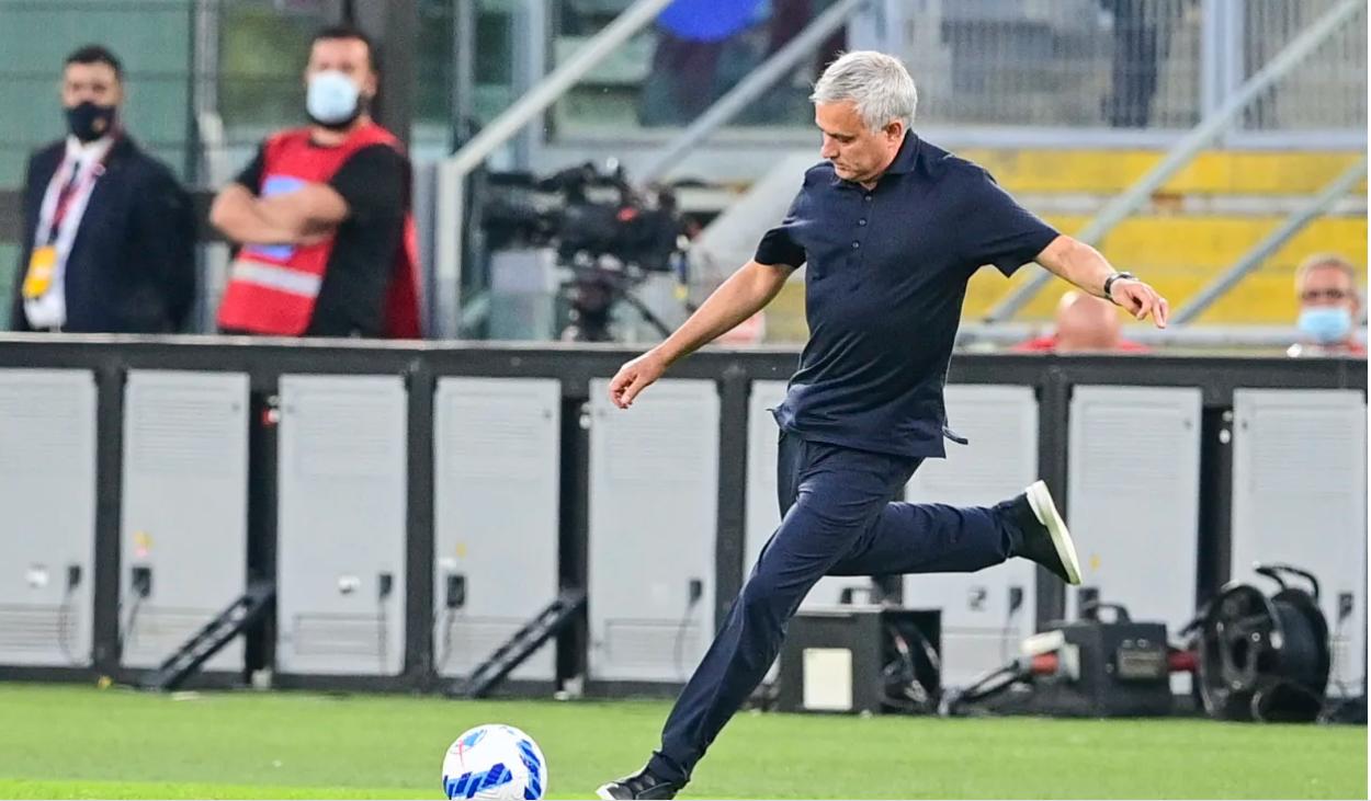 Humbi në derbi, Mourinho: Futbolli italian është përmirësuar, por gjyqtarët nuk janë në nivel