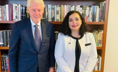Vjosa Osmani takon ish-presidentin Clinton: Faleminderit për çka ke bërë për Kosovën