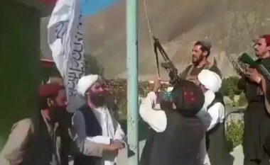 Talebanët ngrenë flamurin, shpallin fitoren në Panjshir (VIDEO)