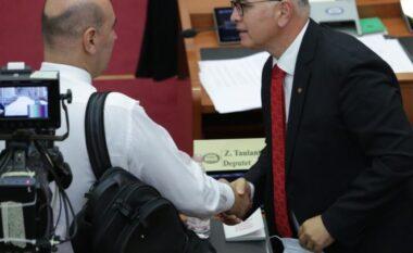 """PD-PS """"shtrëngojnë duart"""", çfarë nuk u pa nga parlamenti"""