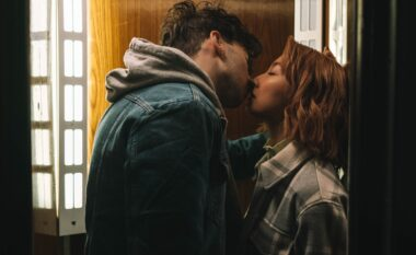 Çfarë tregon për lidhjen tuaj numri i puthjeve që shkëmben me partnerin