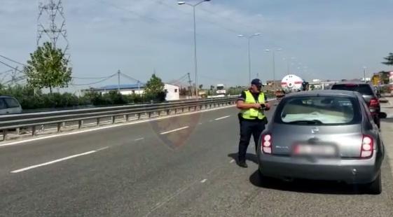 """""""Rrugorja"""" intensifikon kontrollet, ndëshkon 1120 drejtues mjetesh gjatë fundjavës (VIDEO)"""