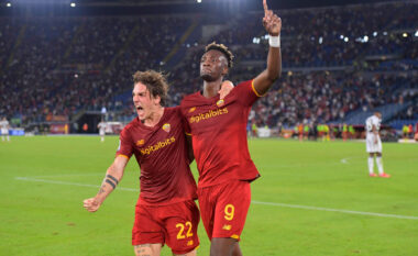 Roma rikthehet te fitorja në Serie A, mposht me vështirësi Udinesen (VIDEO)