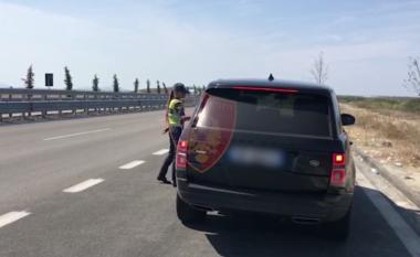 """""""Rrugorja"""" ndëshkon keq shoferët, 34 të arrestuar, 209 patenta të pezulluara dhe mijëra gjoba në dy ditë (VIDEO)"""