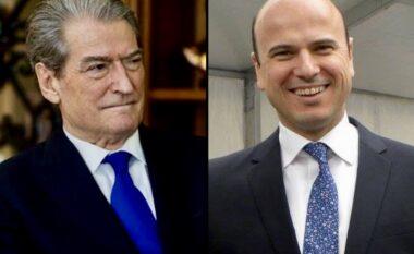 Reagon dhëndri i Berishës pas përjashtimit: Hero i demokracisë që po mund SHBA-të në gjyq