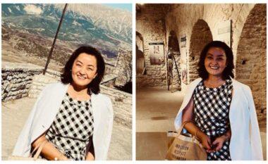 Yuri Kim rikthehet në Gjirokastër, bën foto me çiftin e sapomartuar (FOTO LAJM)