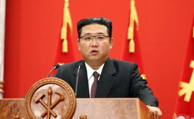 Koreja e Veriut teston lëshimin e një rakete balistike nga një nëndetëse