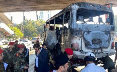 Sulm me bombë në një autobus ushtarak në Damask, 14 të vrarë