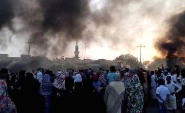 Grusht shteti ushtarak në Sudan, arrestohen udhëheqësit civilë