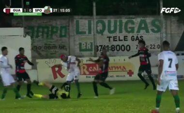 E pabesueshme nga Brazili: Lojtari dhunon dhe e lë pa ndjenja gjyqtarin, arrestohet në fushë (VIDEO)