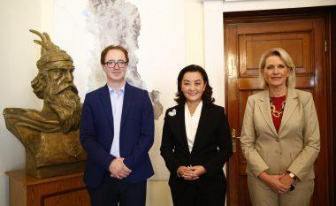 Kim takohet me drejtuesit e Komisionit Parlamentar për Punët e Jashtme: Partneriteti Shqipëri-SHBA tejkalon politikat partiake
