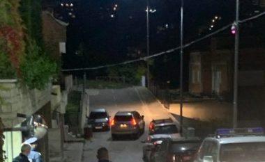 """Policia """"blindon"""" shtëpinë e Albin Kurtit pas kërcënimit"""