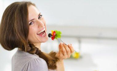 Ushqimet më të mirë për dhëmbët