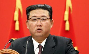 Koreja e Veriut në krizë për ushqime, Kim Jong apel qytetarëve: Hani më pak