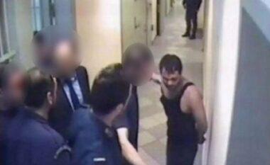 """Policët i """"morën shpirtin"""", rigjykohet çështja e Ilia Karelit në Greqi"""