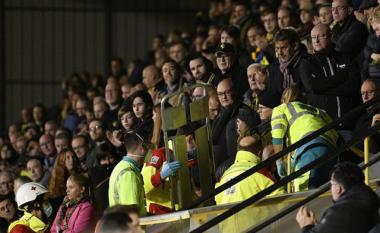 Dramë në Belgjikë, tifozi vdes pas një ataku kardiak në shkallët e stadiumit (FOTO LAJM)