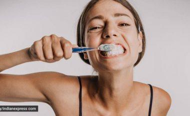 A mjafton larja e dhëmbëve për dy minuta?
