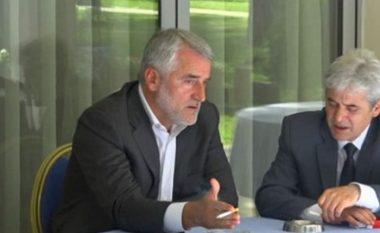 """MARRËVESHJA/ Ali Ahmeti dhe Menduh Thaçi """"bashkojnë forcat"""" për raundin e dytë të zgjedhjeve në Maqedoni"""