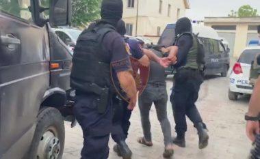 """Hajduti serial """"e pëson"""", nga pas e ndjekin edhe dy trafikantë droge në Vlorë"""