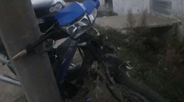 Motori del nga rruga në Fushë-Krujë, lëndohen babë e bijë