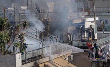 """Zjarri """"përpin"""" pallatin, qiramarrësi hidhet nga ballkoni për të shpëtuar"""