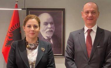 """Xhaçka takon ambasadorin serb: Njohja e Kosovës është """"çelësi"""" për paqe në Ballkan"""