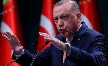 DW: Krizë në qeverinë e Erdoganit, ministri i Jashtëm kërcënon me dorëheqje prej ambasadorëve