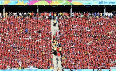 FIFA ndëshkon Kilin, gjobë prej 40 mijë euro dhe ndalimin e tifozave në tribunën pas porte