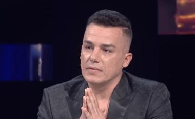 """""""Më kanë bullizuar kur kam qenë fëmijë"""", Albi Nako rrëfehet për herë të parë në """"T'ka mami yll"""" (VIDEO)"""