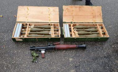 Nga kallashnikovët te granatat e municionet, sekuestrohet arsenal i madh armësh në Kosovë (FOTO LAJM)