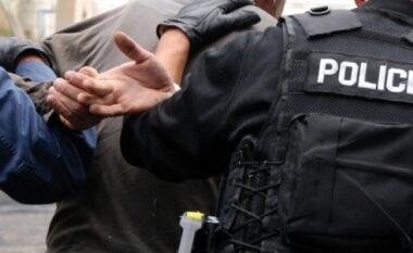 Kreu grabitje të armatosur, prangoset 18 vjeçari shqiptar (FOTO LAJM)