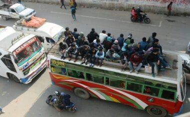 Autobusi del nga rruga, 25 persona viktima nga aksidenti (FOTO LAJM)