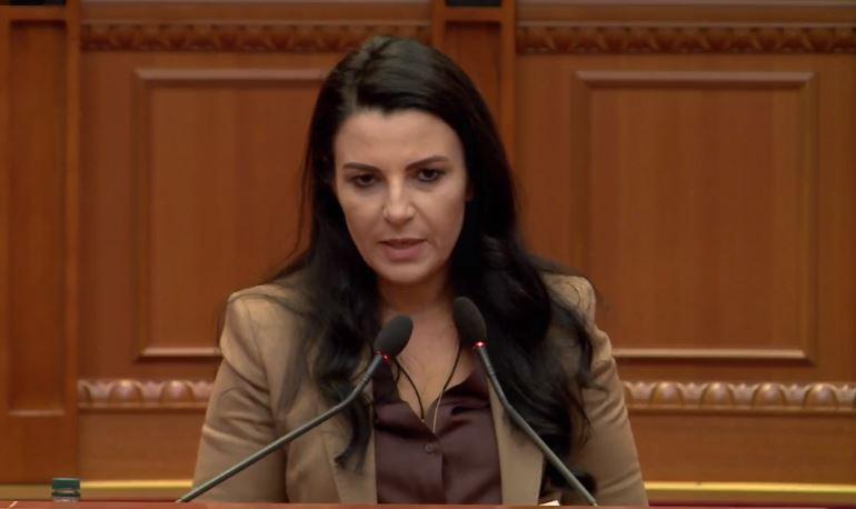 """Investimet në rrugë, Balluku: Nga """"Pallati me Shigjeta"""" te """"Brryli"""" tani shkon për 12 minuta"""
