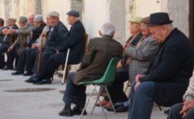 Pleqërim me dinjitet?! Të moshuarve në Shqipëri u mungojnë rreth 17000 lekë për të plotësuar nevojat