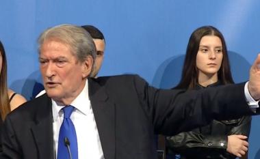 """A do të kandidoj për kryetar të PD? Berisha përgjigjet """"troç"""" nga Kavaja (VIDEO)"""