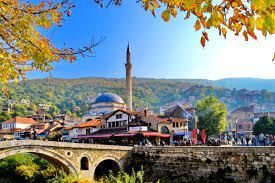 Garë e nxehtë për Kuvendin Komunal të Prizrenit, rezultat i ngushtë mes VV-së dhe PDK-së