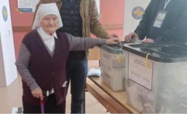 103 vjeçarja jep shembullin e mirë për të dalë në votime
