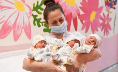 """Lajmi i ditës! Lindin plot shëndet trinjakët tek materniteti """"Mbretëresha Geraldinë: Zemra plot!"""