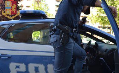 Kishin fshehur drogën në makinë, arrestohen dy shqiptarë në Itali të njohur si trafikantë (VIDEO)