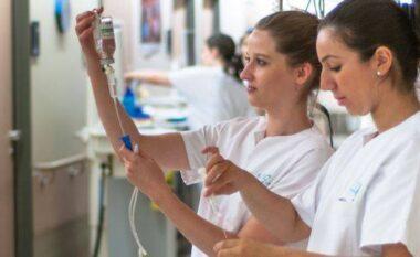 Me sytë nga Gjermania, studentët shkodranë dynden në infermieri