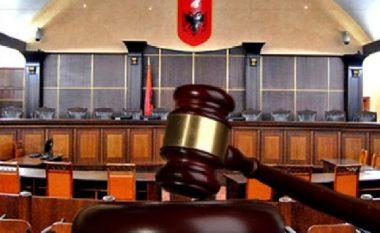 E FUNDIT/ Gjykata Kushtetuese pranon pjesërisht kërkesën e Unionit për shfuqizimin e ligjit për noterinë
