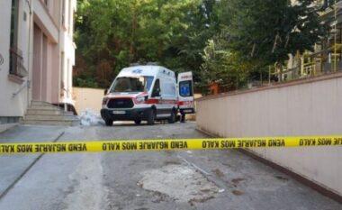 Tragjike në Tiranë! Gruaja tenton t'i shpëtojë zjarrit duke u hedh nga pallati, humb jetën