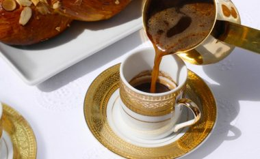 Kini kujdes! Këto njerëz nuk duhet të konsumojnë kafe turke, çfarë u shkakton në organizëm