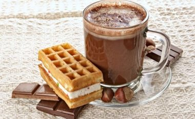 Pse duhet të përfshini kakaon në dietën tuaj?