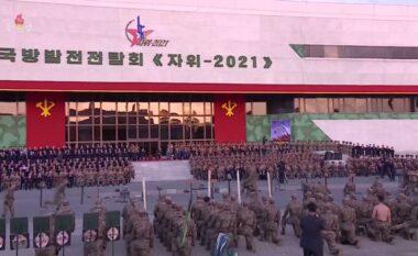 Koreja e Veriut prezanton arsenalin ushtarak (FOTO LAJM)