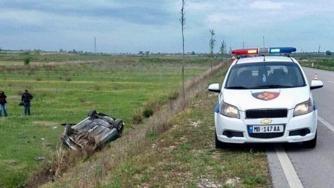 Makina del nga rruga në Gjirokastër -Tepelenë, tre të lënduar rëndë
